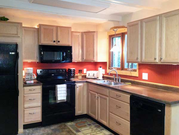 Updated kitchen with new appliances, eat-in area and bay window
